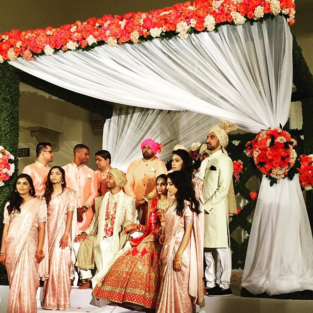 Performing a Vidai at this beautiful Indian Wedding. #miami #libermusicevents #livemusic #weddingwire #music #ceremony #vendors #weddingceremony #weddings #southbeach #bocaraton #florida #perfectwedding #booking #indianwedding #events #floridabride #realweddings  #weddingplanners #luxuryweddings #unique #planner  #bestweddings  #southfl #vidai #thebestmusic  #bride #miamiweddings #bestmusic #2018 Visit our website for the best options in music for you event! www.libermusicevents.com