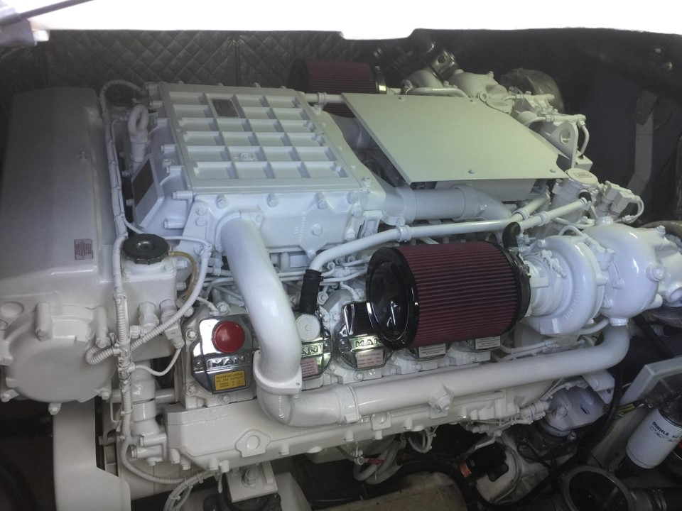 3000 Hour service completed for 2 MAN Common Rail engines for an Azimut Motor Yacht