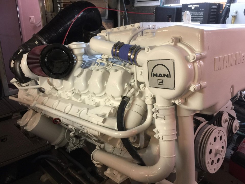 Complete overhaul FOR TWO MAN V12 ENGINES For a Johnson Motor Yacht
