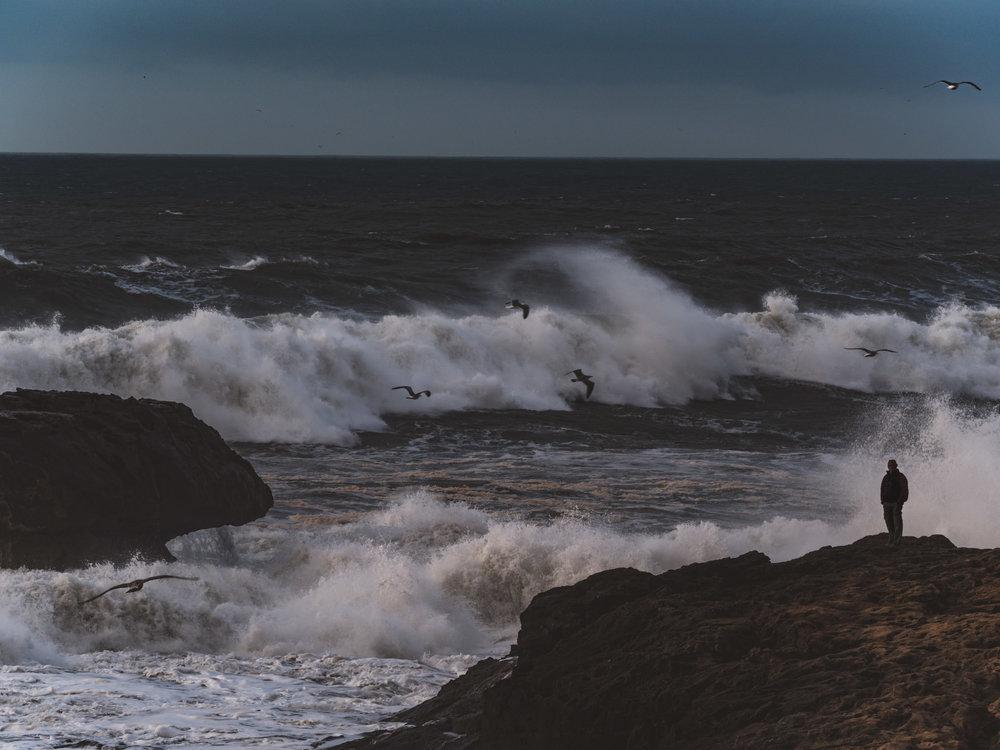 Olas rompiendo en el Puerto de Essaouira | Foto: Jordi Rabal