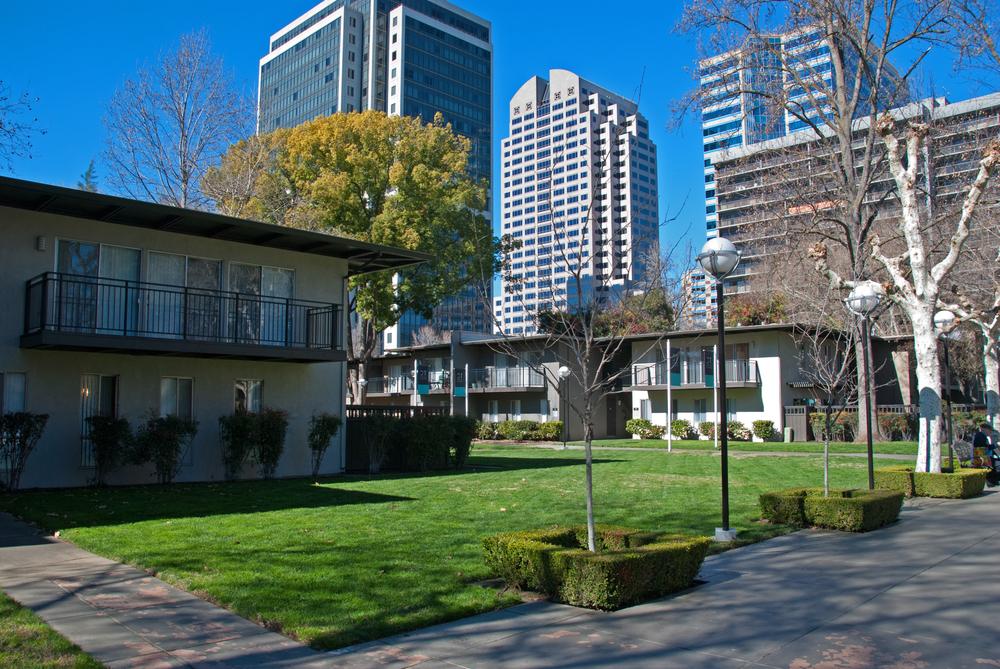 Capitol Towers Garden Apts 2953.jpg