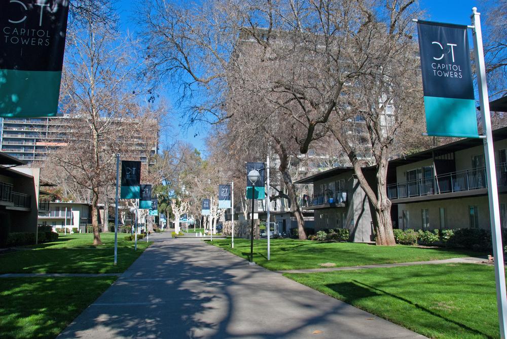 Central Walkway 2950.jpg