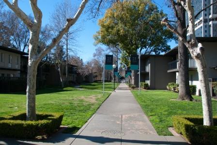Capitol Towers Garden Apts 2954 (2).jpg