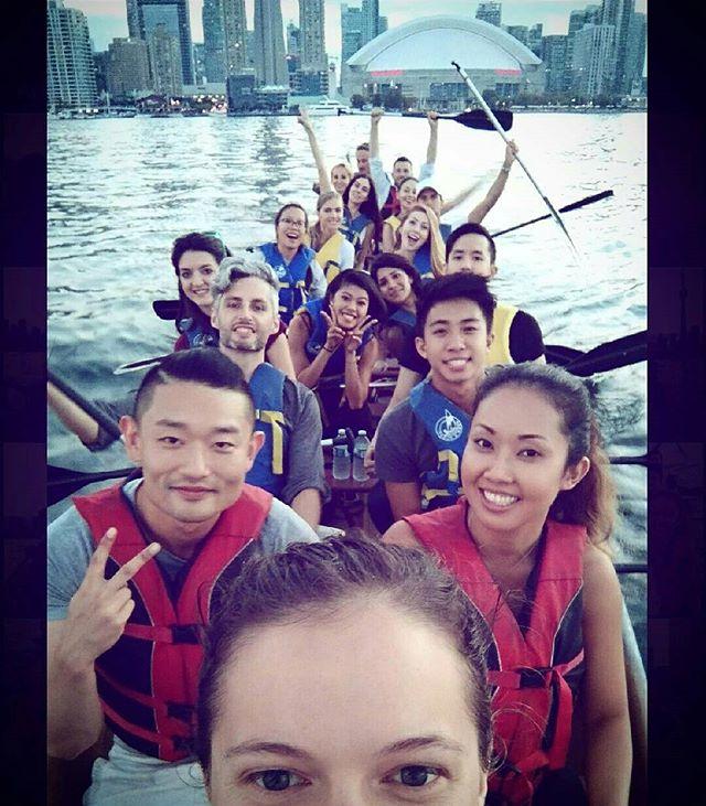 Sunset canoe to the island! Thanks @canoetaxi #adventureclub_org #canoe #toronto