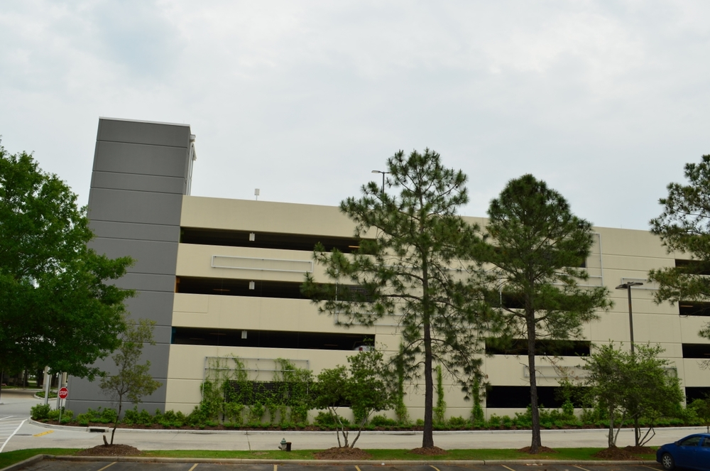Memorial Hermann Parking Garage. Project designed and managed by Marco Cano working at Haynes Whaley Associates