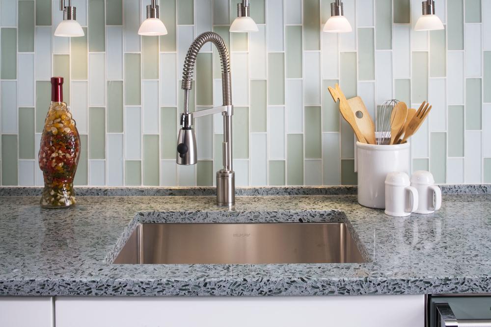 vetrazzo_hollywood_sage_kitchen_countertop_undermount_sink_faucet_glass_tile_backsplash_9x6_485ppi.jpg