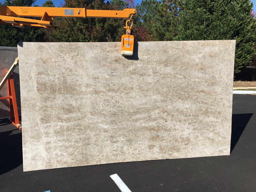 Ice Flakes Quartzite - 132x75 - Lot 1023