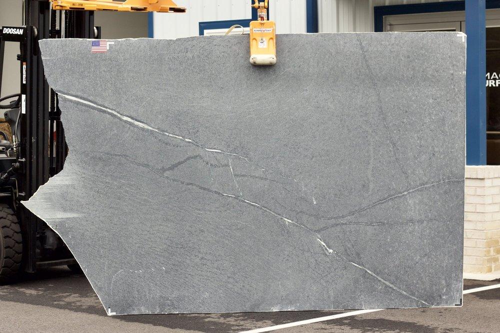 Churchill (Alberene) Soapstone 3CM - Lot 1046
