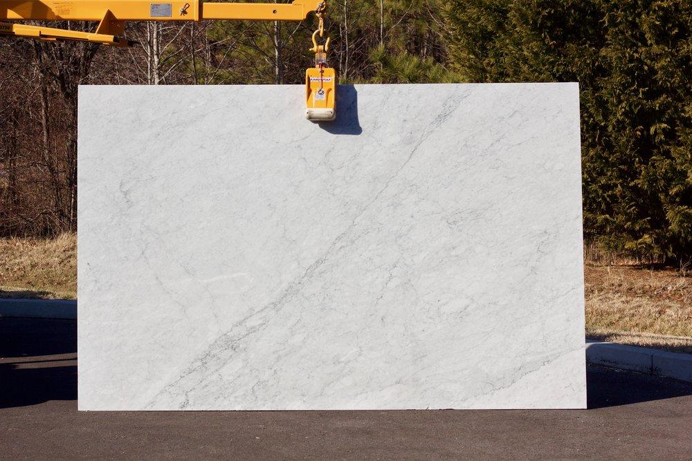 White Carrara - Lot 1057 - 117x75.jpg