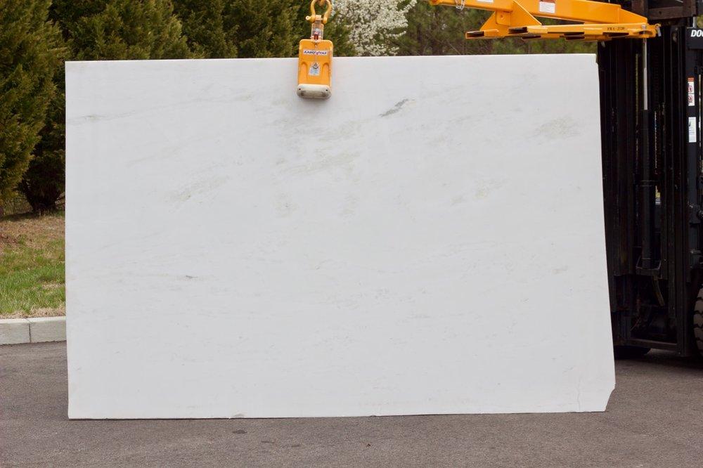 Mystery White - Lot 1064 - 115x75.jpg