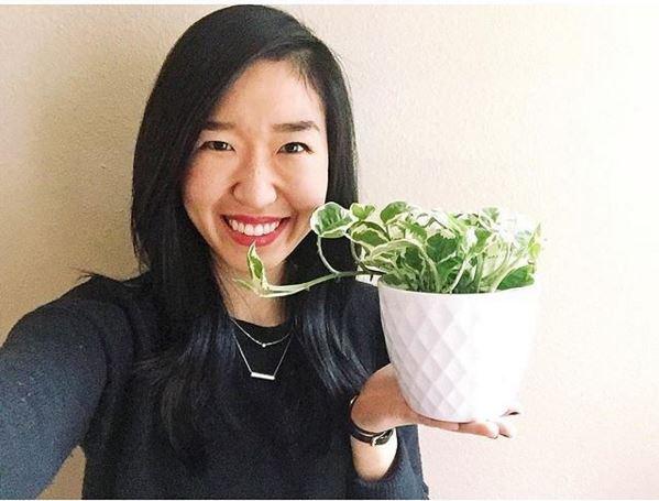 houseplant selfie_lisa_chung.JPG