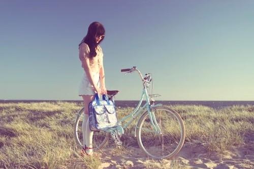 bike-girl-photography-sky-summer-vintage-Favim.com-71973.jpg
