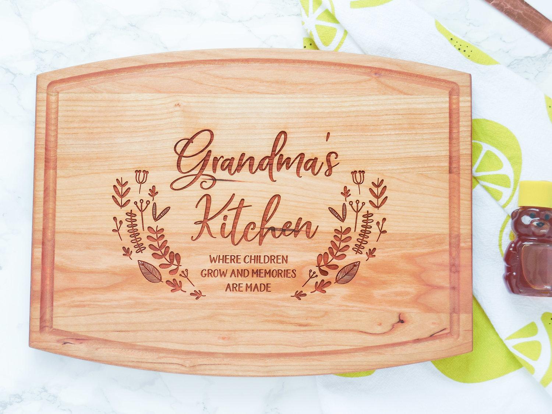 Grandma/'s Kitchen Cutting Board