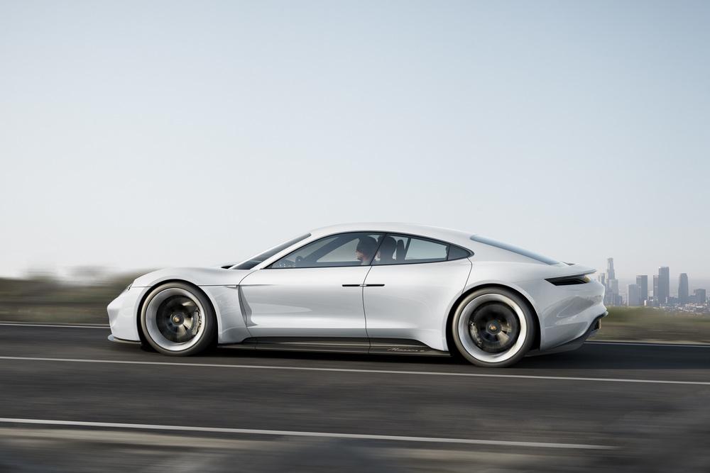 Porsche media gallery: http://press.porsche.com/