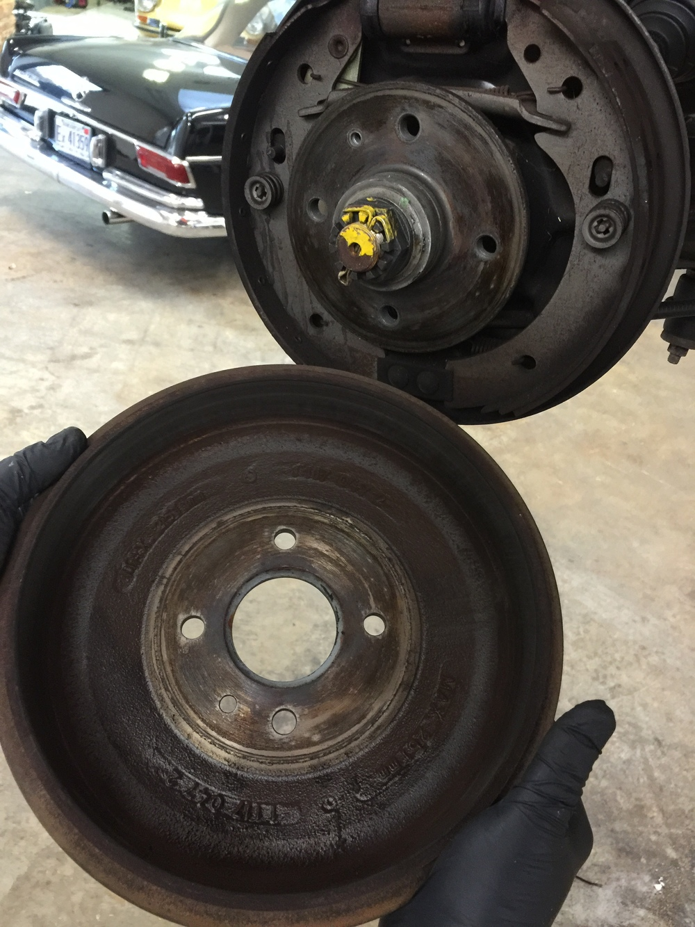 After removing the brake drum, visually inspect.