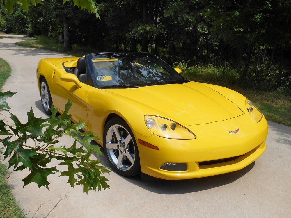 2005_corvette_yellow_sold
