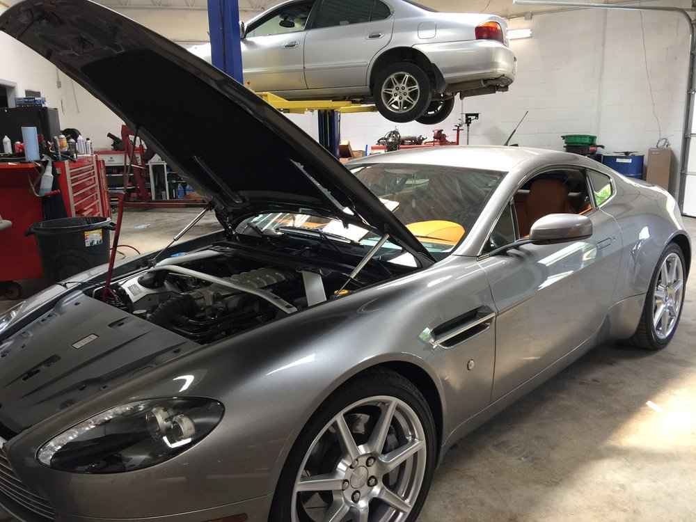 Local 2007 Vantage in for some service