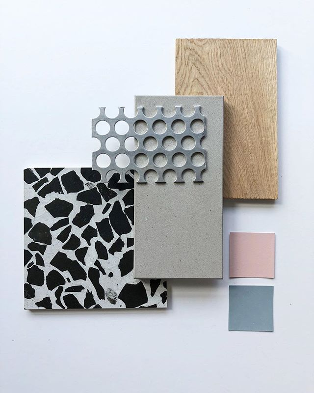 Taking advantage of perfect morning light for a materials study // #comingsoon @insurgentebrew . . #estudiodemateriales #flatlay #interiordesign #terrazzo #perforatedmetal #whiteoak #concrete #hospitality #design #bardesign #brewerydesign #tijuana #architecture #arquitectura #heleoplus