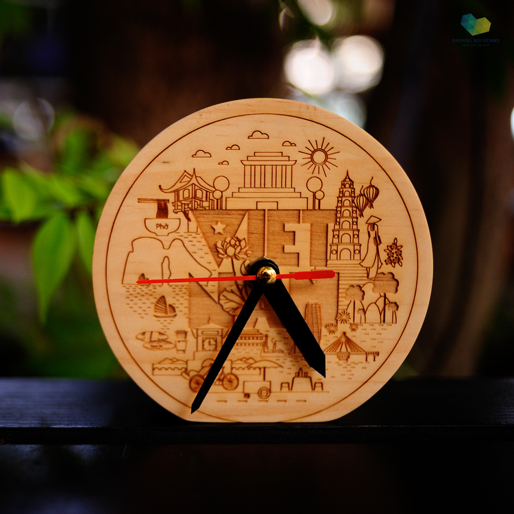 Wooden Clock   Price: 185.000 VND