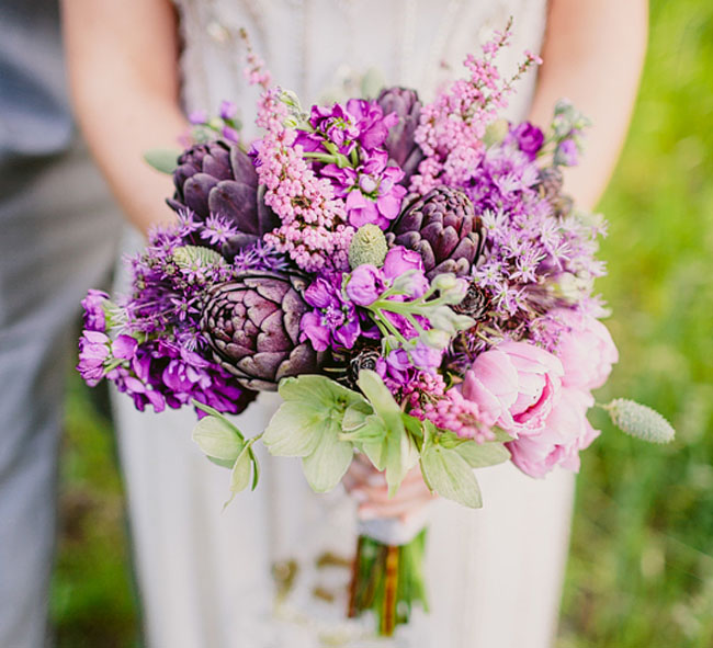 Order tip   Know that you have to order flowers for your wedding on time .We advice you to order the flowers 21 days in advance.