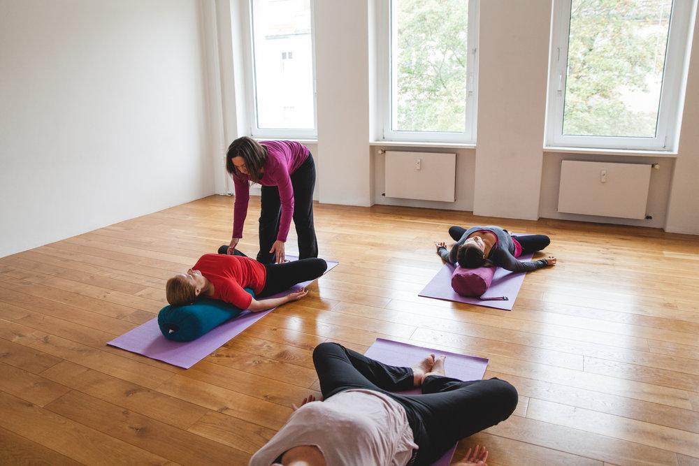 Tovson Yoga-93.jpg