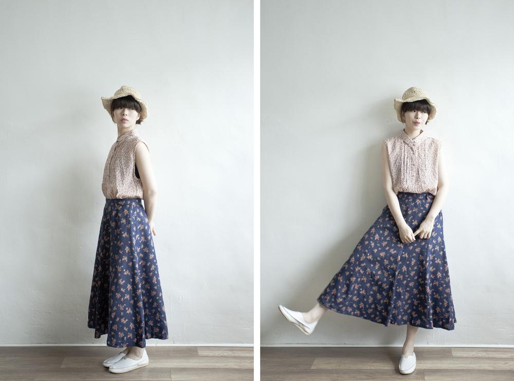 NBV5012 lyon navy roses mid skirt    price: HK$278 / NT$1200   made in japan    也在賣 \\ 上衣 \ 帽子 \ 鞋子