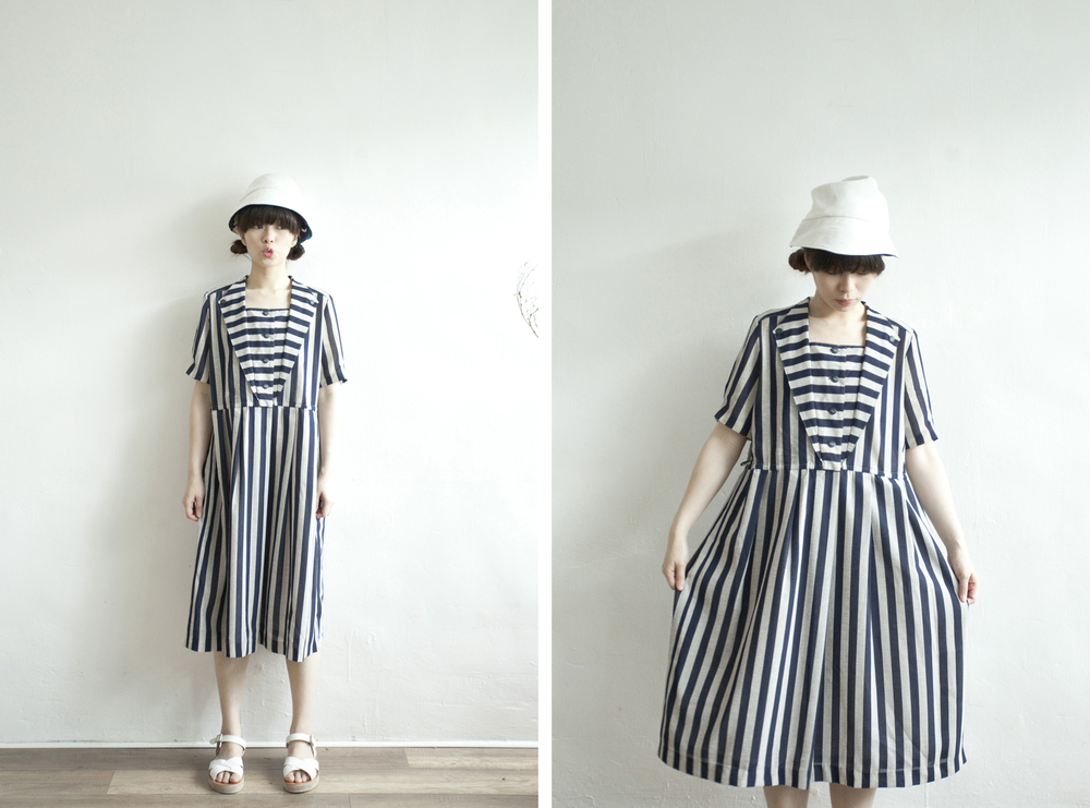 NBV4988 valsagi navy stripe v collar line dress   price: HK$248 / NT$1070   handpicked in korea    也在賣 \\ 鞋子