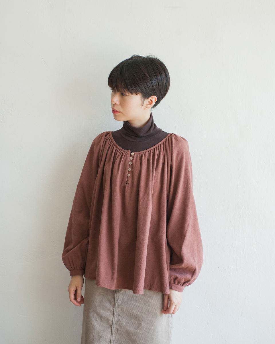 TOP | NBT828 wide gathered collar button blouse 2 color: ivory / chestnut
