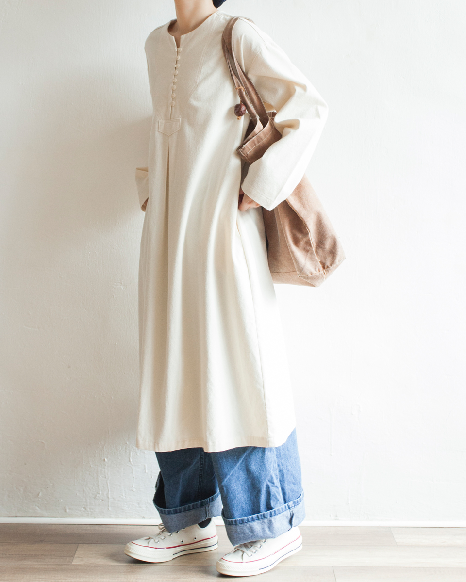 NBOA368 round collar buttoned light wool cotton dress | ivory | HK$428 NT$1760