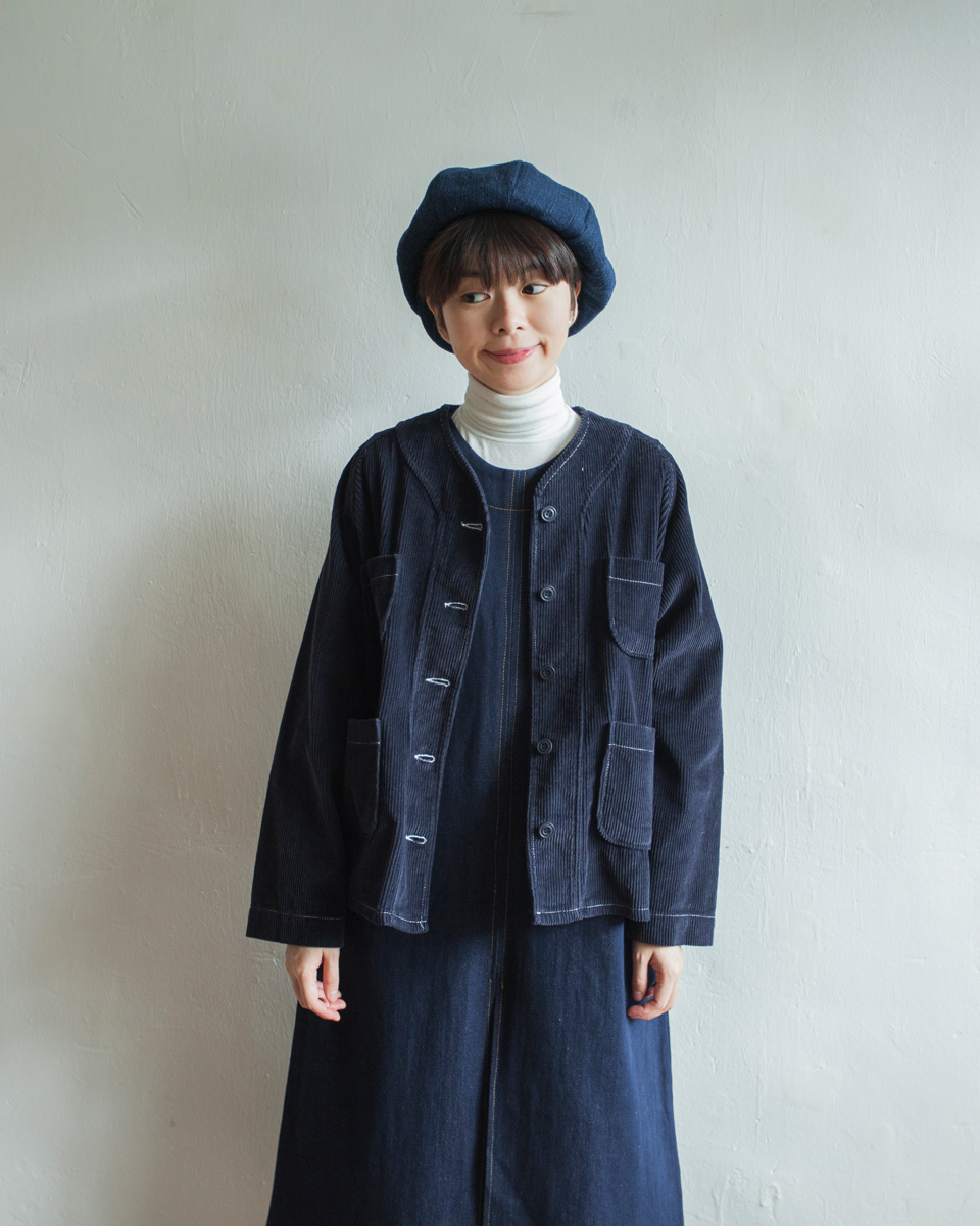 NBU213 v collar soft corduroy jacket | navy | HK$428 NT$1760