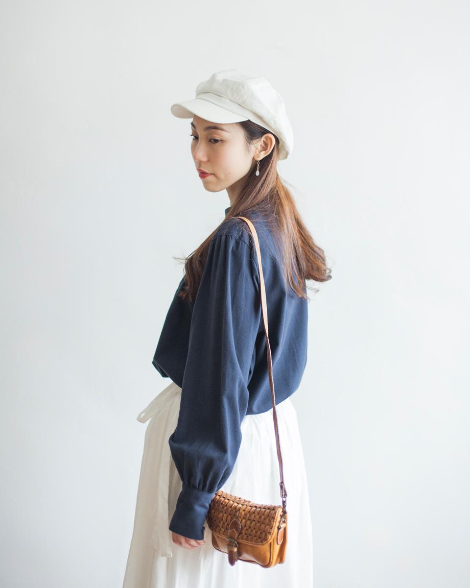 NBT835 high neck panel pleats buttoned blouse | navy |HK$278 NT$1140