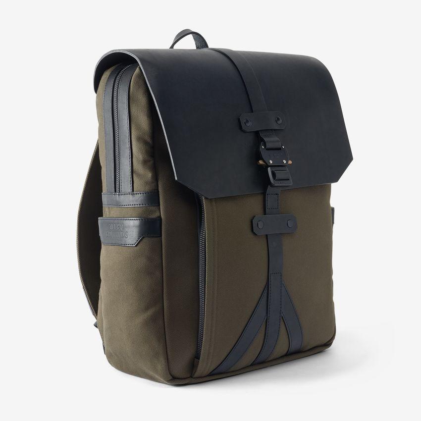 bag-1014855-flapbackpack-blackolive-anglestrap-web.jpg
