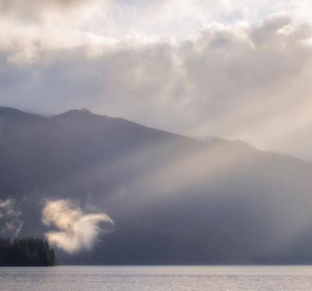 Cloud spotlight, Lake Crescent  #pnwonderland #upperleftusa #pnwphotographer #olympicnationalpark #olympicpeninsula #lakecrescent