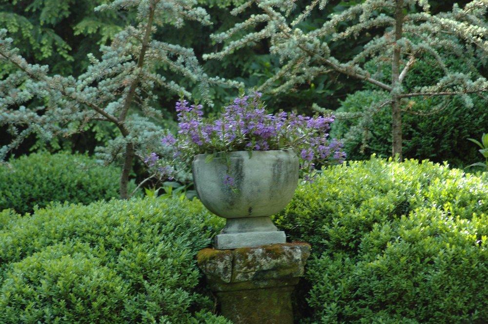stone planter on column.jpg