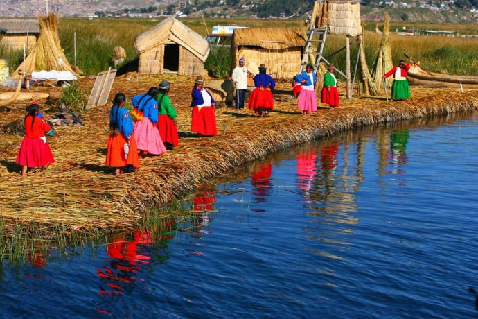Pérou-Lac-Titicaca-Iles-Uros1-690x460-2.jpg