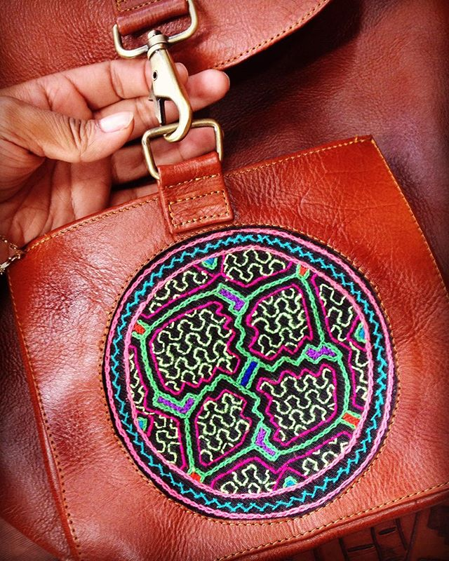 🌟Working on new @machitosbackpack collection 🐒🍃💘 #Amazonia #selva #Nature #newnomads #onthego #summer #Handmade #hauthentic #authenticbags #backpack #madeinperu  #Shipibo #vibrant #colorful #leather #ayahuasca
