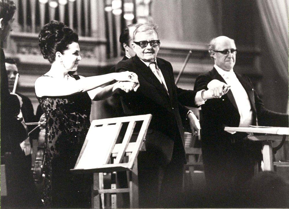 Vishnevskaya Shostakovich.jpg