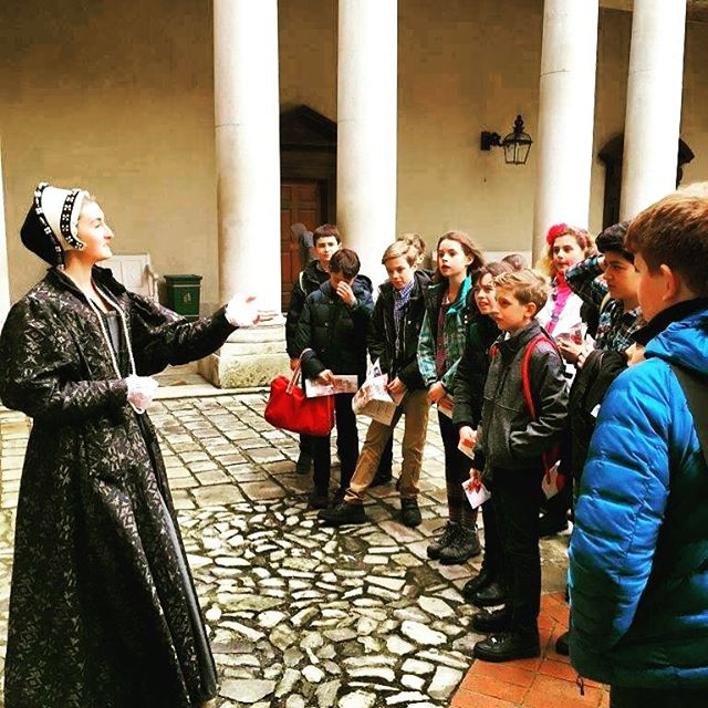Year 7 visiting Hampton Court Palace where they took part in two workshops and explored everyday palace life during the Tudor period. #tudorstyle #tudors #hamptoncourtpalace #hamptoncourt