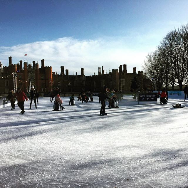 Students ice skating during the last week of term @hamptoncourtpalace ice rink. #hamptoncourticerink #hamptoncourtpalace #iceskating #iceskating⛸