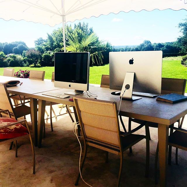 Summer office @chateaufengari #workplace #workspace #workspacegoals #france #chateau #nature