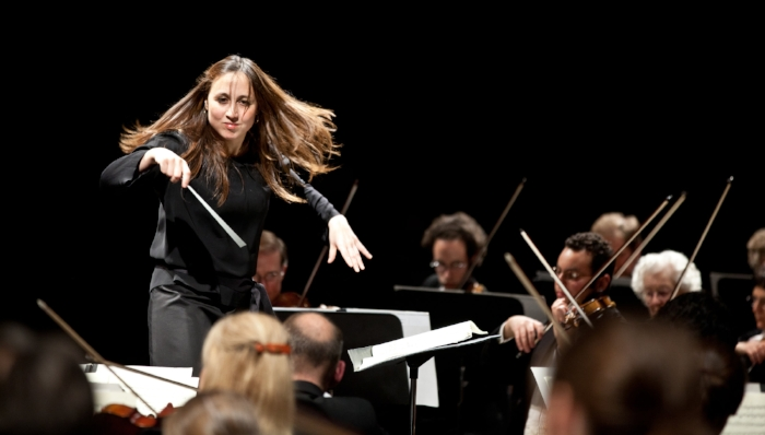 Photo of conductor Joana Carneiro by Dr. Dave Welland