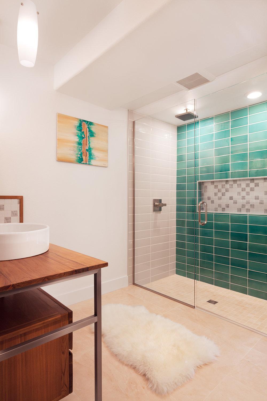 bathroom11920.jpg