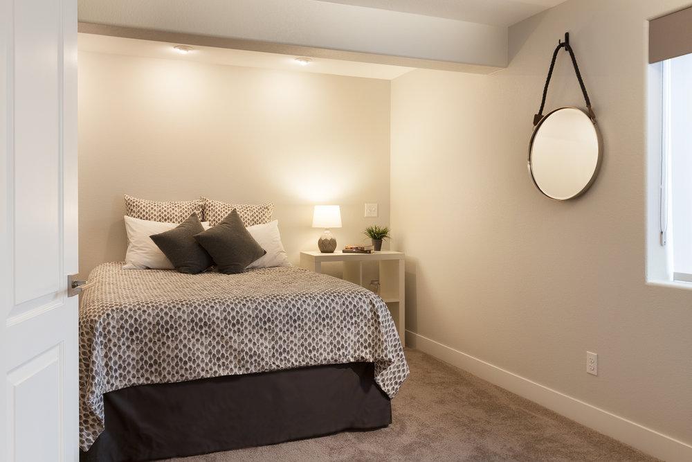 bedroom1920.jpg