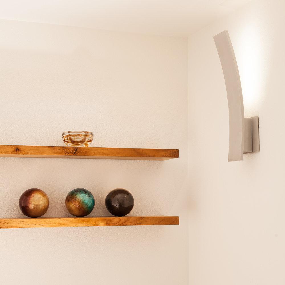 shelves1920.jpg
