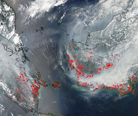 Duizenden hotspots branden de bossen af op Borneo en Sumatra