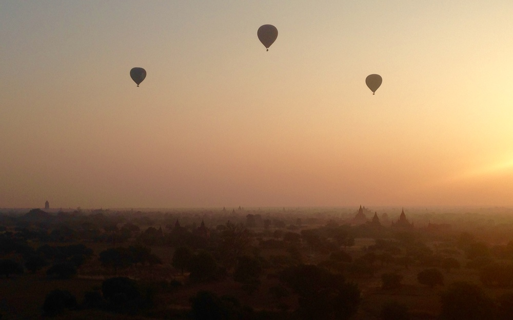 Sunrise from the temples over Bagan