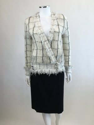 91147427d Chanel White and Black Check Knit Cardigan ...