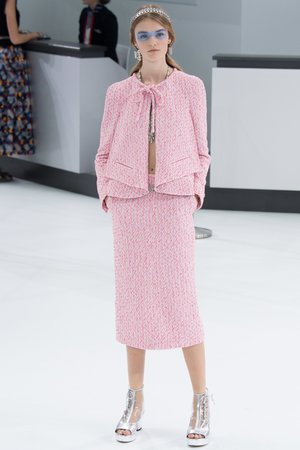 9952fe99bb2 Chanel Spring Summer 2016 Pink Skirt Suit ...