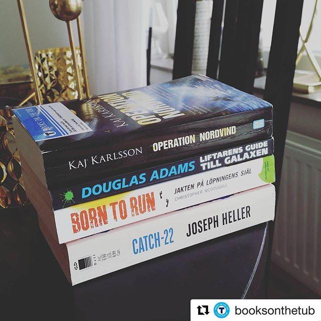 """Kul att den första boken fortfarande lever. Den senaste, """"Hjälten"""", borde dyka upp som ljudbok snart."""