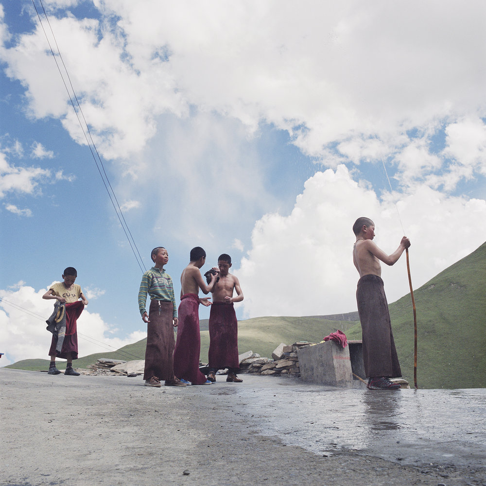 Tibet_RinchenLucy_Monks_hose.jpg